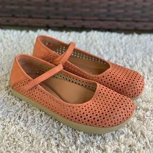Kalso Earth SOLAR 3 Mary Jane Perforated Spice